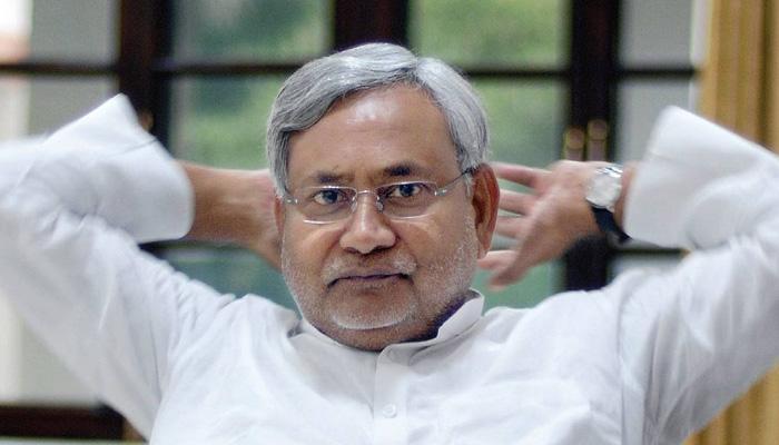 नीतीश ने फिर ख़ुद को साबित किया बिहार की राजनीति का 'चाणक्य', राजनीतिक दांवपेंच से दोस्तों-दुश्मनों को डाला सकते में