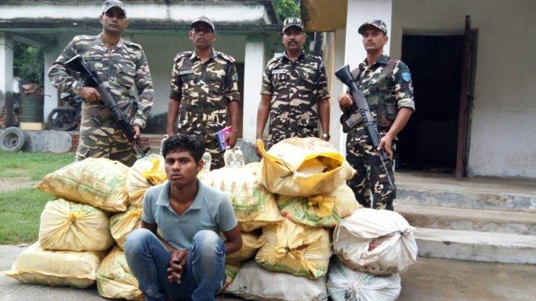 मधुबनी: 1405 बोतल नेपाली शराब के साथ एक तस्कर गिरफ्तार
